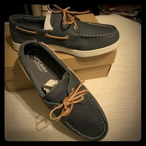 NWT Boys Sperry Top Siders (4.5)